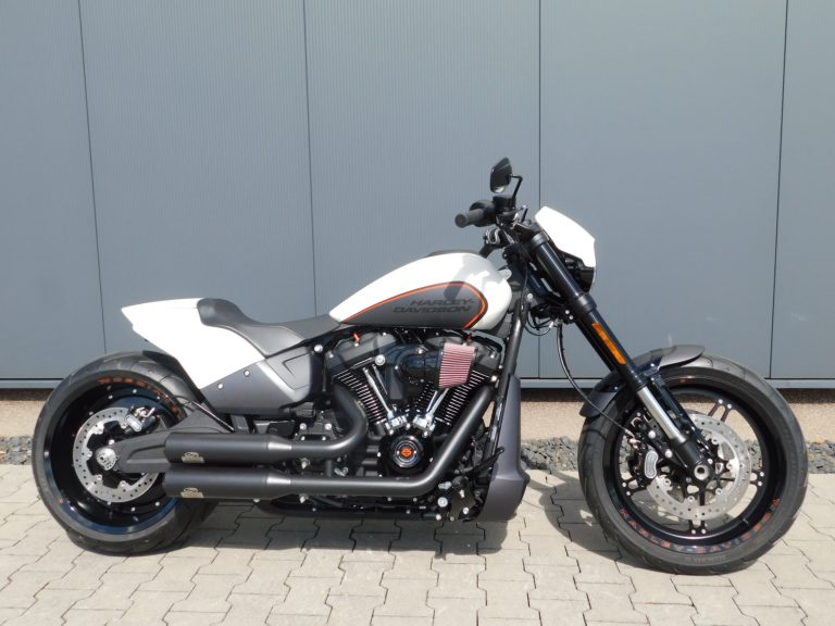 Read more about the article FXDRS Softail FXDR Custombike
