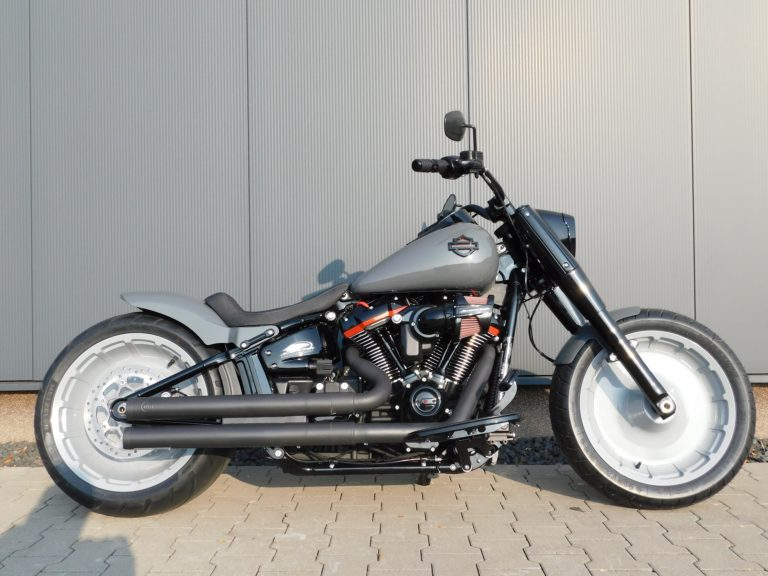 Read more about the article FLFBS Softail Fat Boy CVO Style Custombike